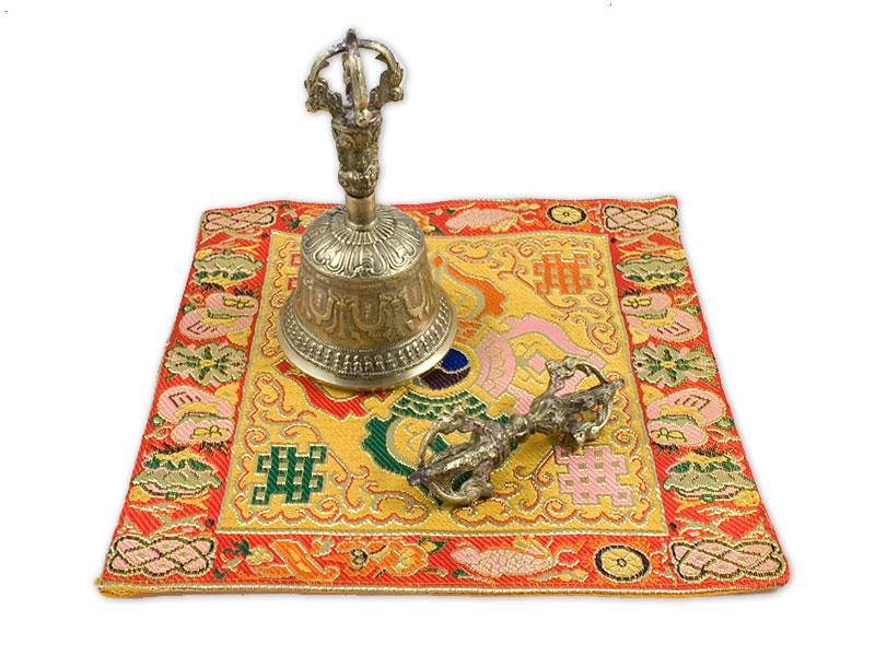 Set - Ghanta / Drilbu mit Dorje und Kissen