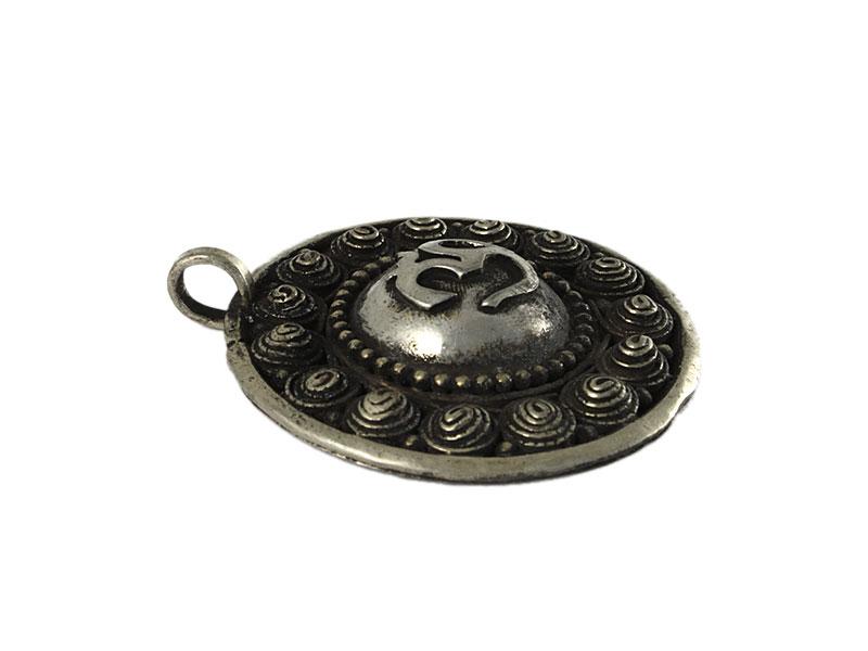 Großer Om Amulett Anhänger mit Spiralen