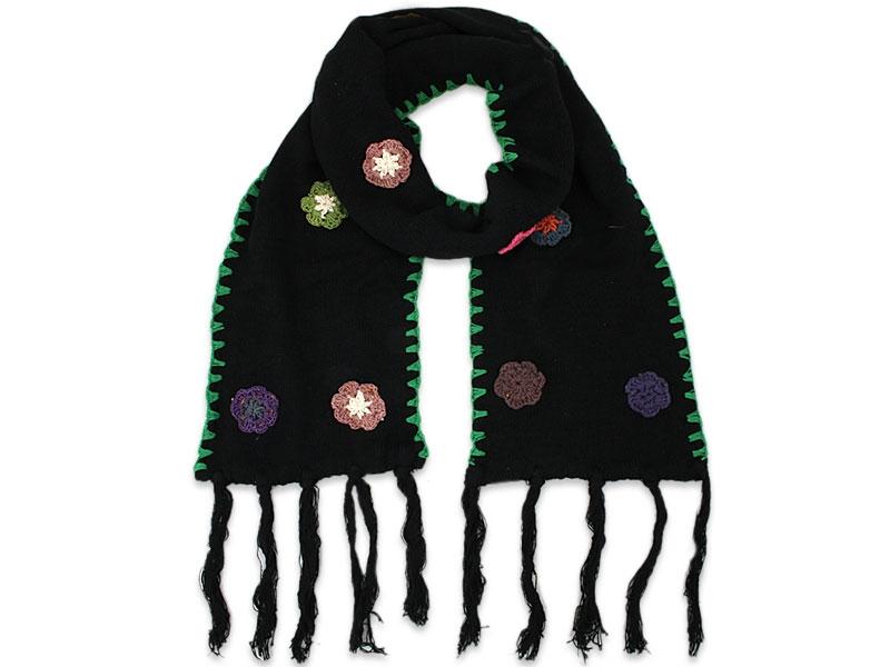 Schal handgestrickt mit Blumen und Franzen